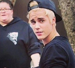 CELEBRITY HAIR NEWS: JUSTIN BIEBER TRIES BLONDE