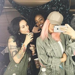 CELEBRITY HAIR NEWS: KYLIE JENNER PASTEL HAIR