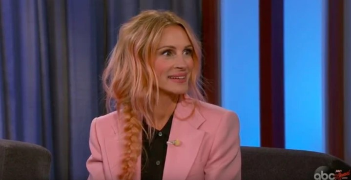 JULIA ROBERTS' NEW METALLIC ROSE GOLD HAIR