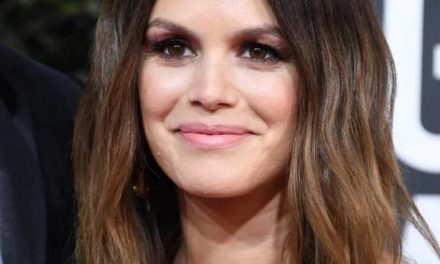 RACHEL BILSON'S GOLDEN HIGHLIGHTS, PRETTIEST RED CARPET DEBUT